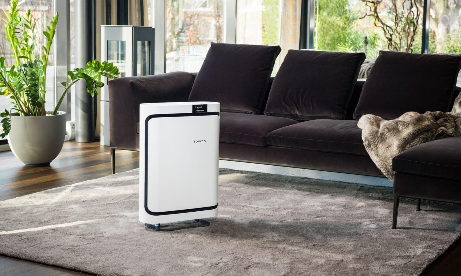 Oczyszczacz powietrza Boneco w salonie