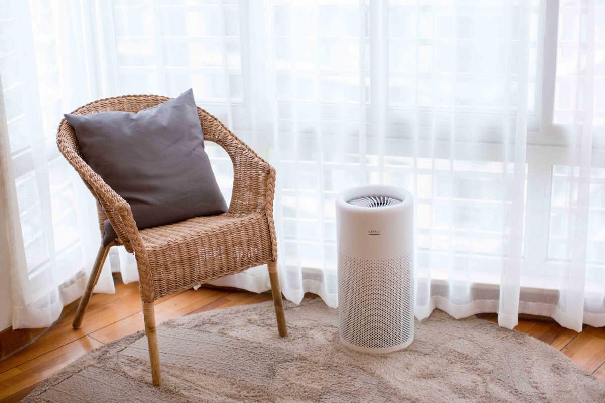 Oczyszczacz powietrza LIFAair LA350 w pokoju